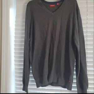Izod Mens sweater is size Large